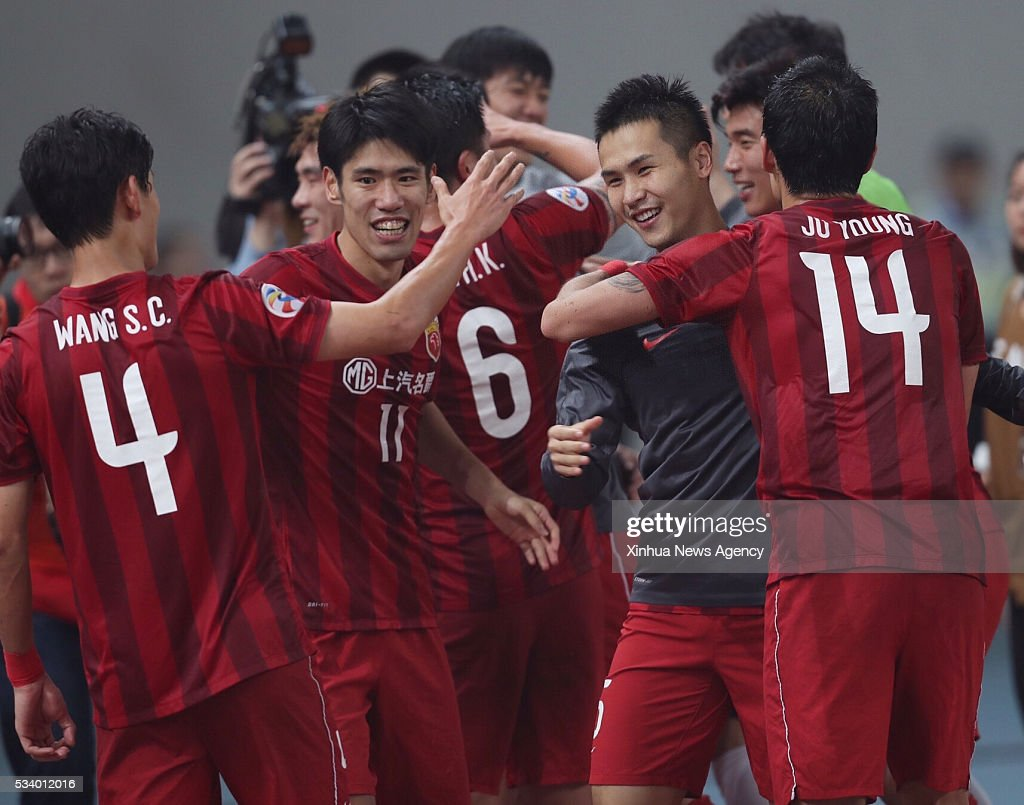 SHANGHAI, May 24, 2016 -- Players of China's Shanghai SIPG celebrate after winning the second round of 1/8 finals against Japan's FC Tokyo at the Asian Football Confederation Asian Champions Legaue in Shanghai, China, on May 24, 2016. Shanghai SIPG won 1-0.
