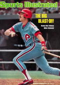 May 3 1976 Sports Illustrated Cover Baseball Philadelphia Phillies Mike Schmidt in action at bat vs Pittsburgh Pirates Pittsburgh PA 4/21/1976