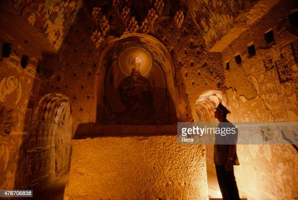 May Cave n°171 Kyzyl Xinjiang China The caves are always conceived the same way On this photograph we can clearly see their structure A central...