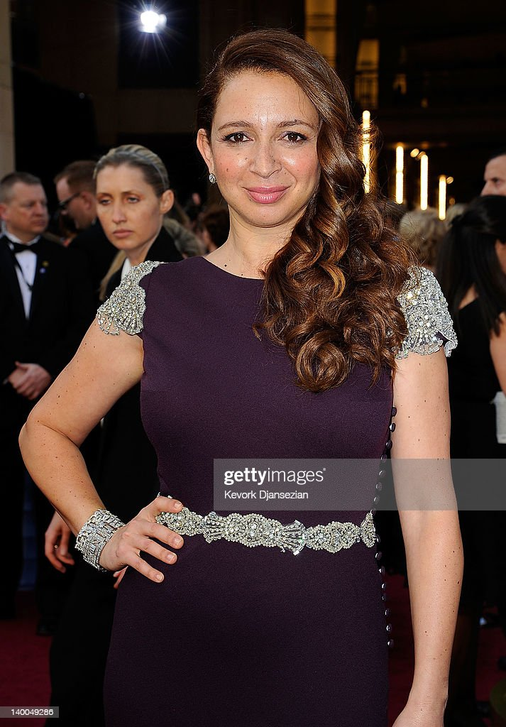 Maya Rudolph arrives at the 84th Annual Academy Awards held at the Hollywood & Highland Center on February 26, 2012 in Hollywood, California.