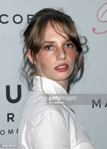 Maya Thurman Hawke Stock Photos and Pictures | Getty Images