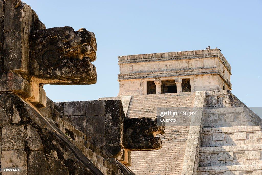 Mayan Kukulkan Pyramid in Chichen Itza, Mexico -XXXL : Stock Photo