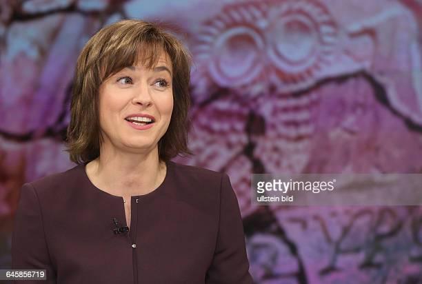 Maybrit Illner in ihrer ZDFTalkshow 'Maybrit_Illner' am in BerlinThema der Sendung Athen gegen alle Scheitert der Euro