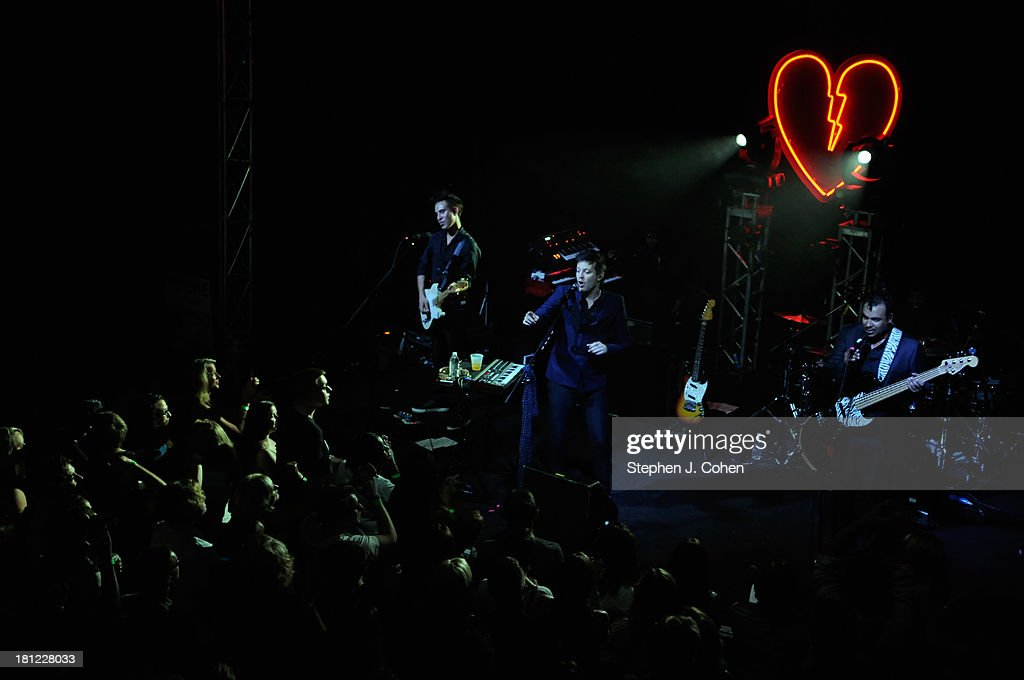 Mayer Hawthorne performs at Headliners Music Hall on September 19, 2013 in Louisville, Kentucky.