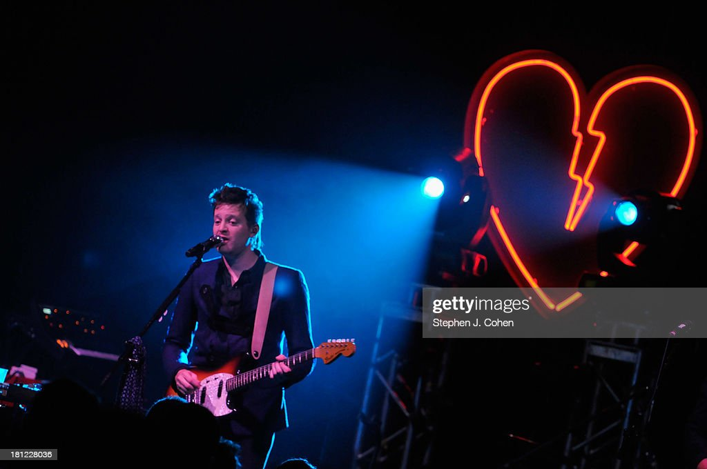 <a gi-track='captionPersonalityLinkClicked' href=/galleries/search?phrase=Mayer+Hawthorne&family=editorial&specificpeople=5990490 ng-click='$event.stopPropagation()'>Mayer Hawthorne</a> performs at Headliners Music Hall on September 19, 2013 in Louisville, Kentucky.