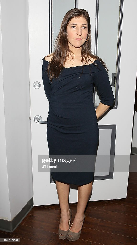 Mayim Bialik attends the Kevan Hall Presents His Spring 2013 Collection on December 5, 2012 in Los Angeles, California.
