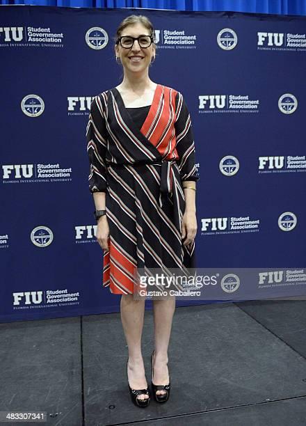 Mayim Bialik speaks at Florida International University on April 7 2014 in Miami Florida