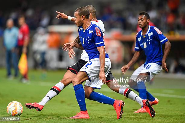 Mayke of Cruzeiro and Wesley of Sao Paulo battle for the ball during a match between Cruzeiro and Sao Paulo as part of Copa Bridgestone Libertadores...