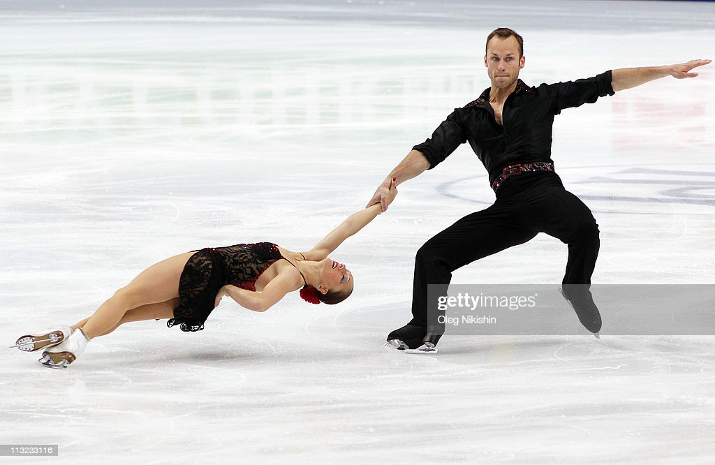 Maylin Hausch and <a gi-track='captionPersonalityLinkClicked' href=/galleries/search?phrase=Daniel+Wende&family=editorial&specificpeople=2089493 ng-click='$event.stopPropagation()'>Daniel Wende</a> of Germany skate in the pairs short program during day four of the 2011 World Figure Skating Championships at Megasport Ice Rink on April 27, 2011 in Moscow, Russia.