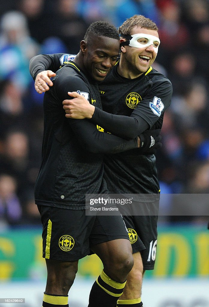<a gi-track='captionPersonalityLinkClicked' href=/galleries/search?phrase=Maynor+Figueroa&family=editorial&specificpeople=882234 ng-click='$event.stopPropagation()'>Maynor Figueroa</a> of Wigan Athletic celebrates his goal with James McArthur during the Barclays Premier League match between Reading and Wigan Athletic at Madejski Stadium on February 23, 2013 in Reading, England.