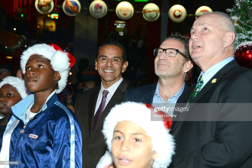 Mayor <a gi-track='captionPersonalityLinkClicked' href=/galleries/search?phrase=Antonio+Villaraigosa&family=editorial&specificpeople=178925 ng-click='$event.stopPropagation()'>Antonio Villaraigosa</a> and Councilman Tom LaBonge? at the Universal CityWalk Tree Lighting - Light Show Spectacular! at 5 Towers Outdoor Concert Arena on November 20, 2012 in Universal City, California.