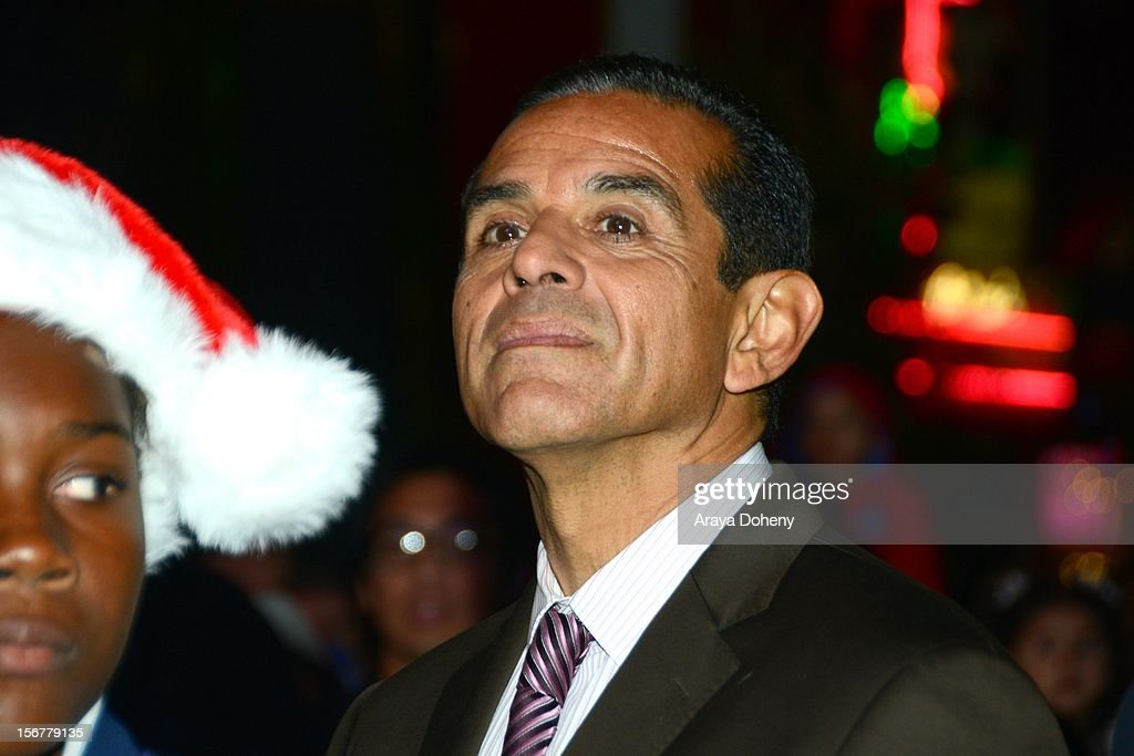 Mayor Antonio Villaraigosa at the Universal CityWalk Tree Lighting - Light Show Spectacular! at 5 Towers Outdoor Concert Arena on November 20, 2012 in Universal City, California.