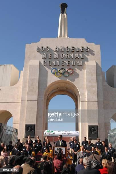 Mayor Antonio Villaraigosa during Gov Schwarzenegger and Mayor Villaraigosa add California's Voice To Chrous Of ASupport For LA's 2016 Olympic Bid at...