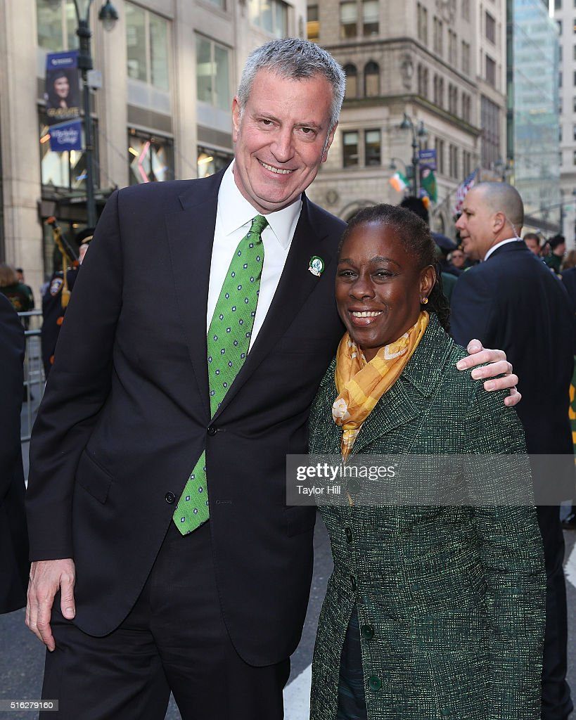 Mayor Bill de Blasio and Chirlane McCray pose during the 2016 St. Patrick's Day Parade on March 17, 2016 in New York City.