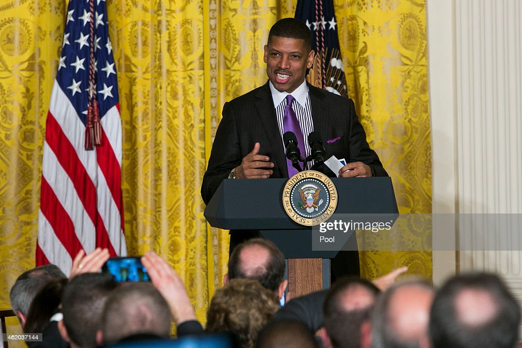 Mayor <a gi-track='captionPersonalityLinkClicked' href=/galleries/search?phrase=Kevin+Johnson+-+Politician&family=editorial&specificpeople=12777886 ng-click='$event.stopPropagation()'>Kevin Johnson</a> of Sacramento, California introduces U.S. President Barack Obama during an event for the U.S. Conference of Mayors in the East Room of the White House on January 23, 2015 in Washington, DC. The conference marks the 82nd meeting of the U.S. Conference of Mayors.