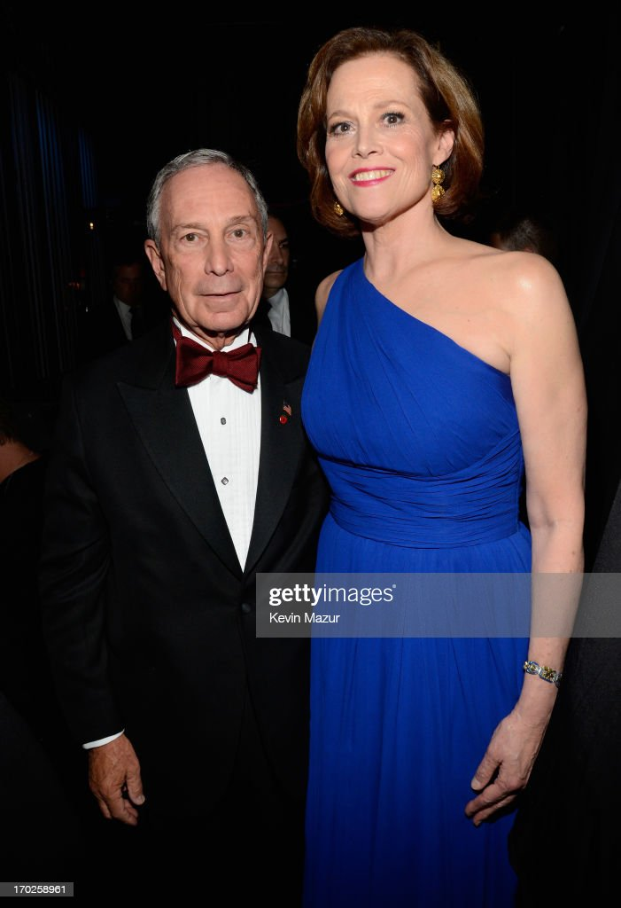 NYC Mayor <a gi-track='captionPersonalityLinkClicked' href=/galleries/search?phrase=Michael+Bloomberg&family=editorial&specificpeople=171685 ng-click='$event.stopPropagation()'>Michael Bloomberg</a> (L) and actress <a gi-track='captionPersonalityLinkClicked' href=/galleries/search?phrase=Sigourney+Weaver&family=editorial&specificpeople=201647 ng-click='$event.stopPropagation()'>Sigourney Weaver</a> attend The 67th Annual Tony Awards backstage at Radio City Music Hall on June 9, 2013 in New York City.
