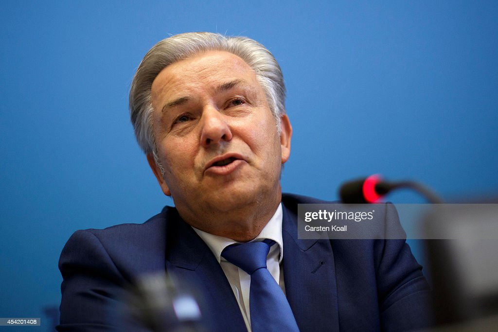 Mayor of Berlin Klaus Wowereit gives a press conference to announce his intention to resign at the end of his term on December 11th after 13 years as...