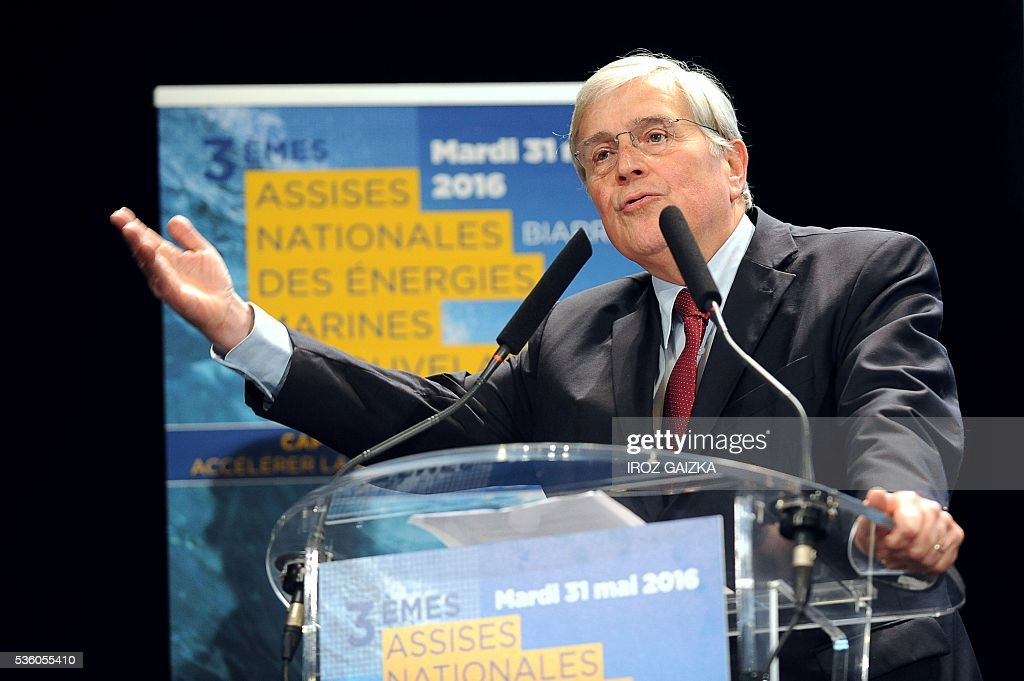 Mayor of Biarritz Michel Veunac delivers a welcome speech during the third French National Conference of Renewable Marine Energy on May 30, 2016, in Biarritz, southwestern France. / AFP / IROZ