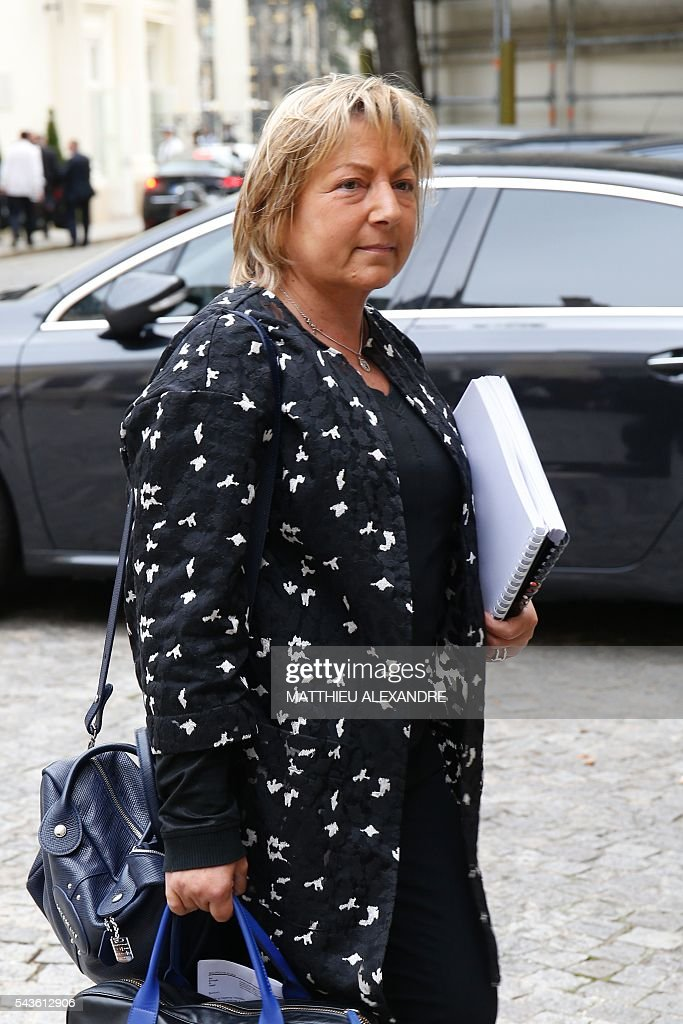 Mayor of Calais Natacha Bouchart arrives in Paris on June 29, 2016 for a meeting on the migrant crisis in Calais. / AFP / MATTHIEU