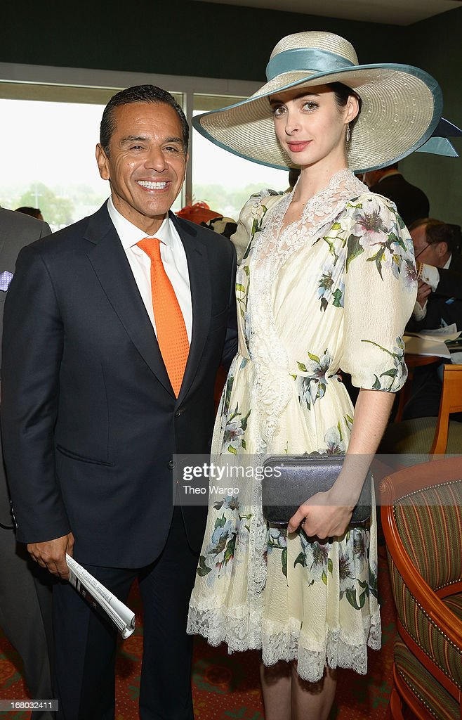 Mayor of Los Angeles <a gi-track='captionPersonalityLinkClicked' href=/galleries/search?phrase=Antonio+Villaraigosa&family=editorial&specificpeople=178925 ng-click='$event.stopPropagation()'>Antonio Villaraigosa</a> and <a gi-track='captionPersonalityLinkClicked' href=/galleries/search?phrase=Krysten+Ritter&family=editorial&specificpeople=655673 ng-click='$event.stopPropagation()'>Krysten Ritter</a> at the GREY GOOSE Red Carpet Lounge at the Kentucky Derby at Churchill Downs on May 4, 2013 in Louisville, Kentucky.