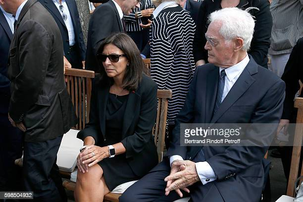 Mayor of Paris Anne Hidalgo and Lionel Jospin attend the Designer Sonia Rykiel's Funerals at Cimetiere du Montparnasse on September 1 2016 in Paris...