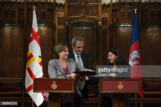 Mayor of Paris Anne Hidalgo and Mayor of Barcelona Ada Colau sign a collaboration agreement between their two cities at the city hall of Barcelona on...