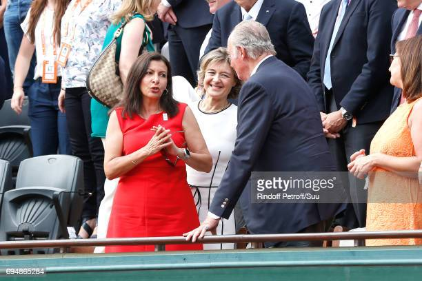 Mayor of Paris Anne Hidalgo congratulates the Former King of Spain Juan Carlos 1er for the victory of Rafael nadal during the Men Final of the 2017...