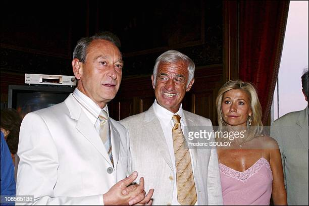 Mayor of Paris Bertrand Delanoe Jean Paul Belmondo and Natty in Paris France on June 28th 2004