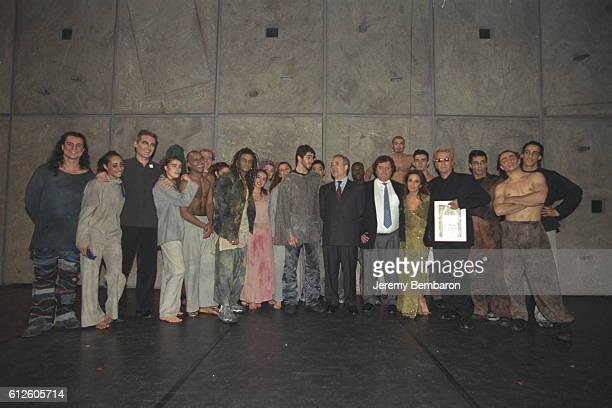 Mayor of Paris Jean Tiberi surrounded by the full cast