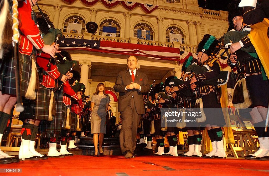 Mayor Rudy Giuliani leaves City Hall for the last time as Mayor of New York City with his girlfriend Judy Nathan as the NYPD and FDNY's Emerald...