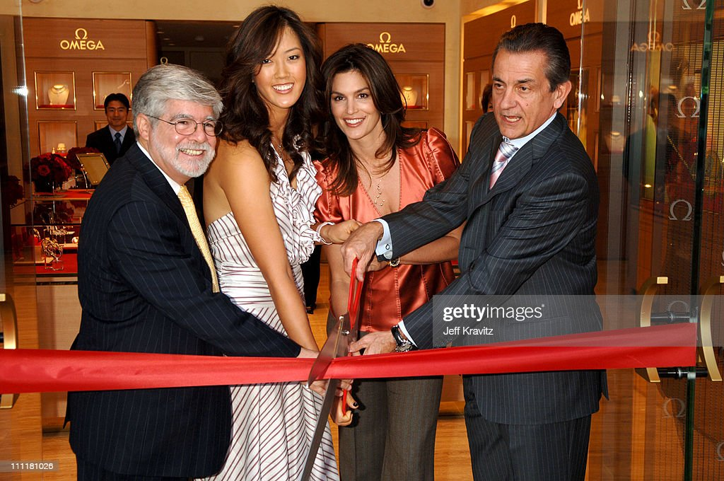 Mayor Steven P Webb Michelle Wie Cindy Crawford and Stephen Urquhart