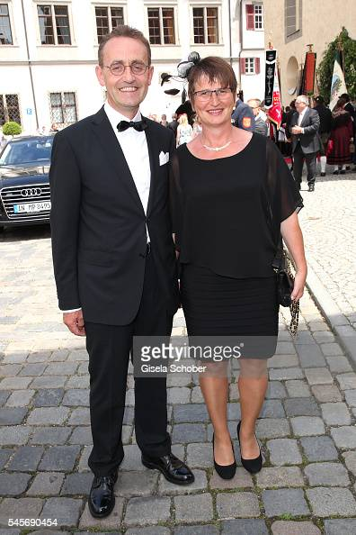 Mayoress petra wagner and her husband hubert wagner during the wedding