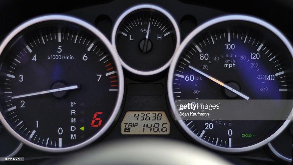2006 Mazda MX-5 Miata dashboard