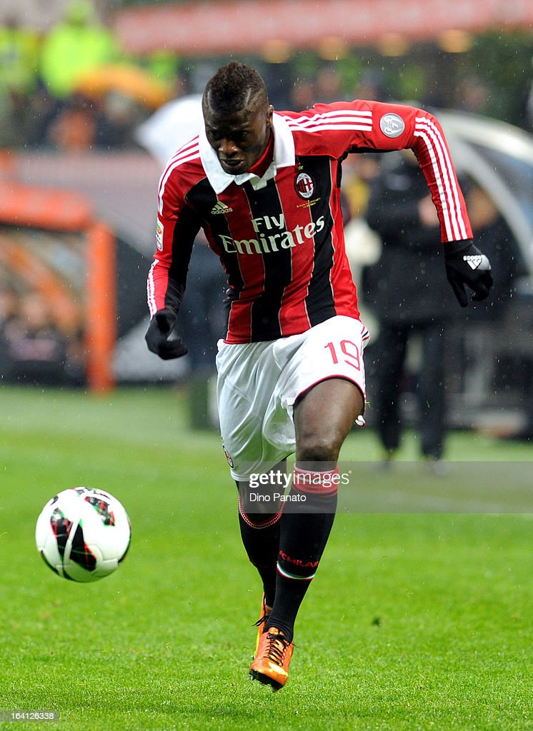 Mbaye Niang of AC Milan in action during the Serie A match between AC Milan and US Citta di Palermo at San Siro Stadium on March 17, 2013 in Milan, Italy.