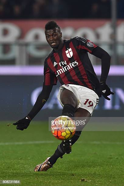Mbaye Niang of AC Milan in action during the TIM Cup match between US Alessandria and AC Milan at Olimpico Stadium on January 26 2016 in Turin Italy