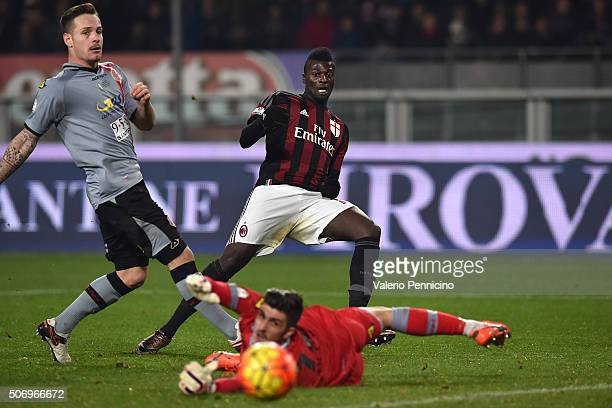 Mbaye Niang of AC Milan strikes the post during the TIM Cup match between US Alessandria and AC Milan at Olimpico Stadium on January 26 2016 in Turin...