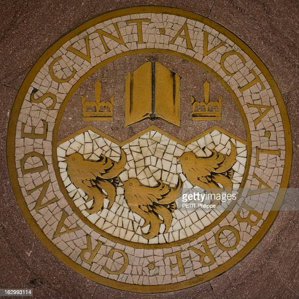 Mc Gill University In Montreal L'université anglophone de MC GILL à MONTREAL avec 33 000 universitaiers de 140 pays mais 'seulement' 580 Français le...