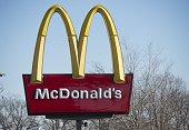 A McDonalds fast food restaurant is seen in Alexandria Virginia December 30 2014 AFP PHOTO / SAUL LOEB