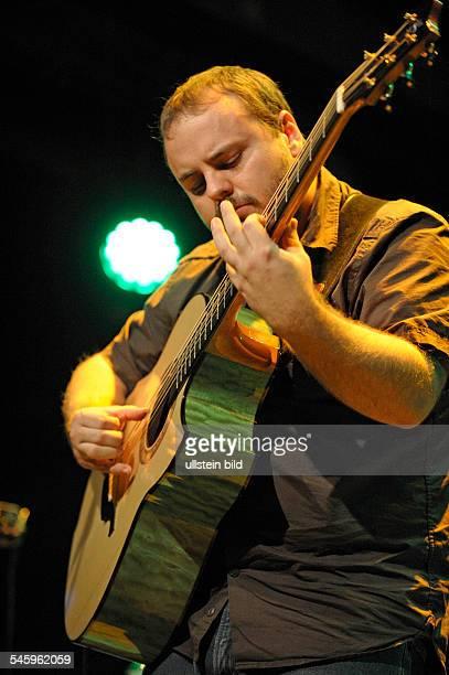 McKee Andy Musician FingerstyleGuitarist Composer USA performing in Hamburg Germany Fabrik