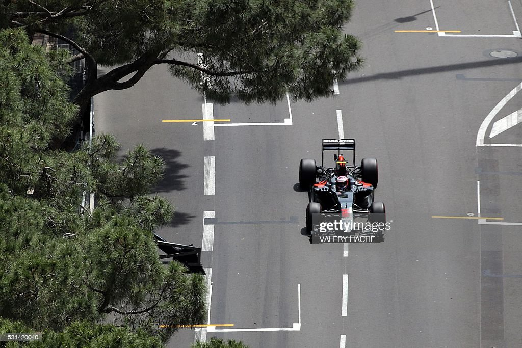 McLaren Honda's British driver Jenson Button drives during the first practice session at the Monaco street circuit, on May 26, 2016 in Monaco, three days ahead of the Monaco Formula 1 Grand Prix. / AFP / Valery HACHE