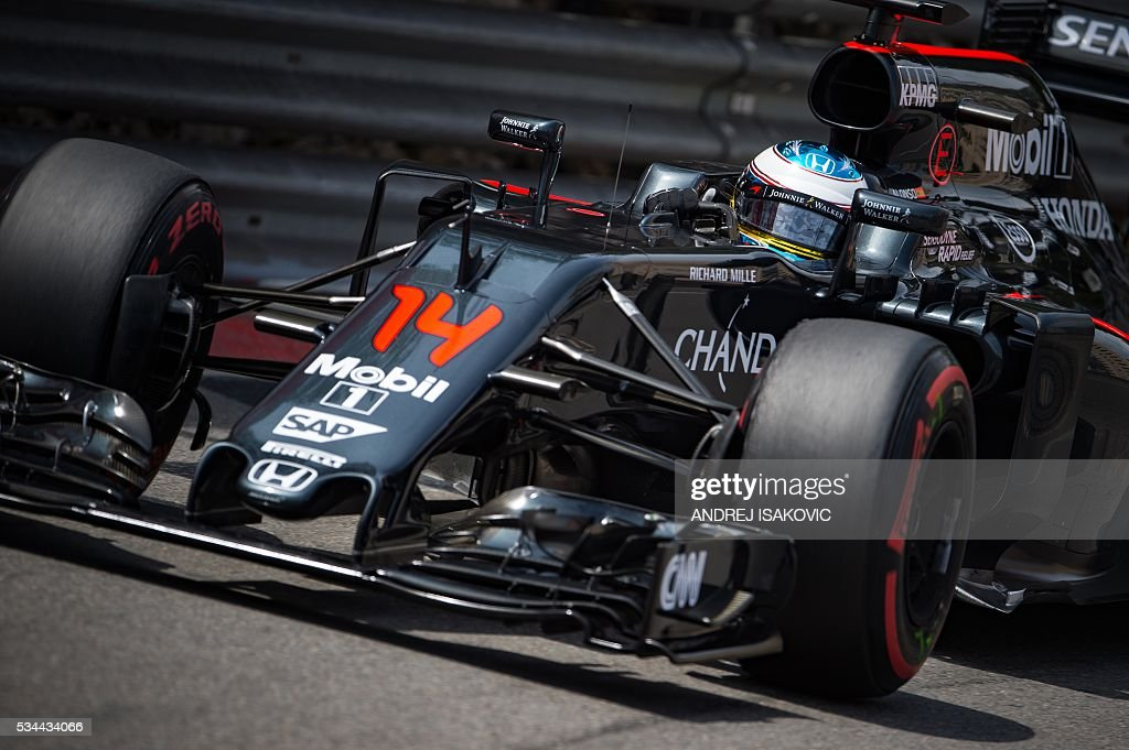 McLaren Honda's Spanish driver Fernando Alonso drives during the second practice session at the Monaco street circuit, on May 26, 2016 in Monaco, three days ahead of the Monaco Formula 1 Grand Prix. / AFP / ANDREJ