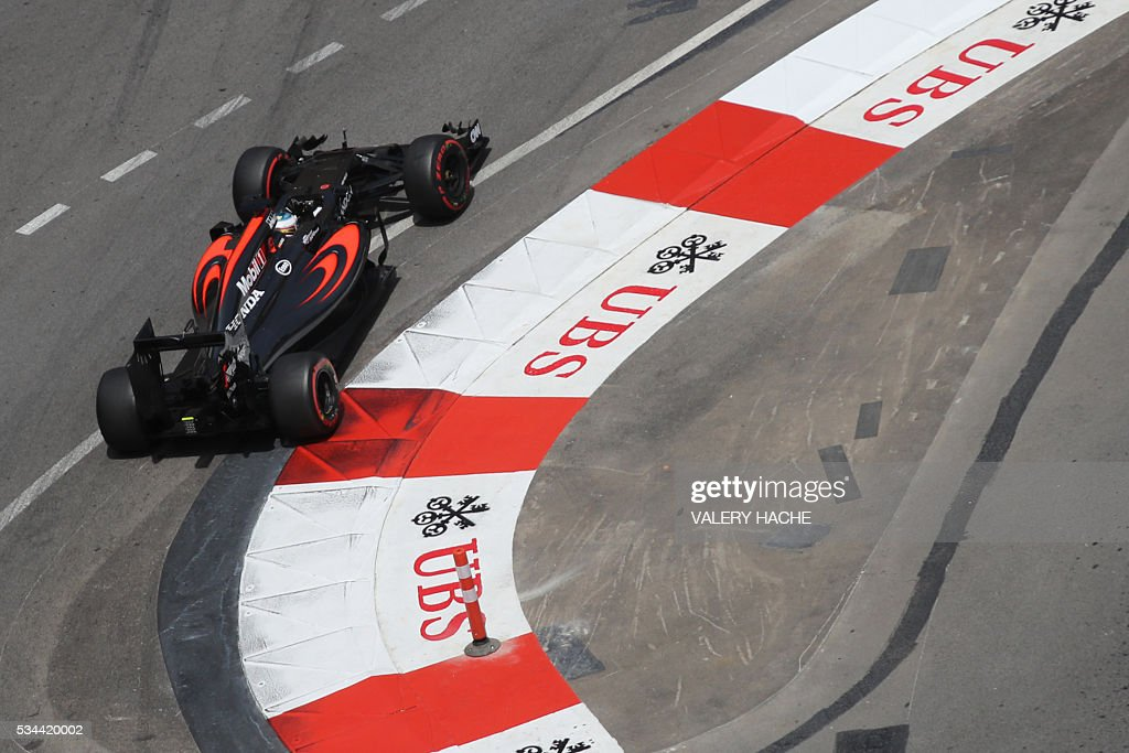 McLaren Honda's Spanish driver Fernando Alonso drives during the first practice session at the Monaco street circuit, on May 26, 2016 in Monaco, three days ahead of the Monaco Formula 1 Grand Prix. / AFP / Valery HACHE
