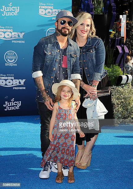 McLean wife Rochelle Deanna Karidis and daughter Ava Jaymes McLean attend the premiere of 'Finding Dory' at the El Capitan Theatre on June 8 2016 in...