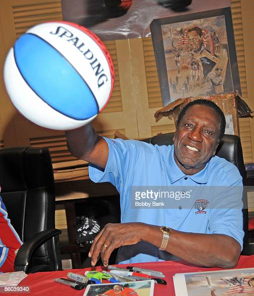 Meadowlark Lemon attends the 2009 Chiller Theatre Expo at the Hilton on April 19 2009 in Parsippany New Jersey