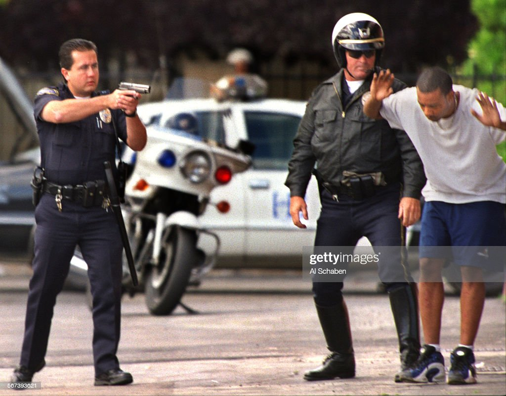 Huntington beach california stock photos and pictures getty images - Mebankrobarrest0526as Fountain Valley Huntington Beach Police Arrest A Bank Robbery Suspect As