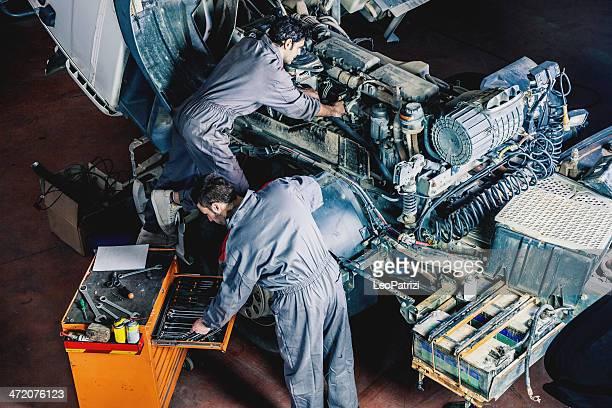 Mechanik Arbeiten auf einem LKW