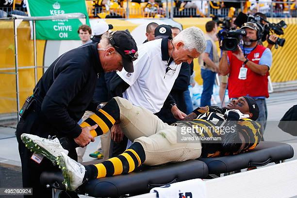 Medical staff tend to Le'Veon Bell of the Pittsburgh Steelers after being injured in the 2nd quarter of the game against the Cincinnati Bengals...