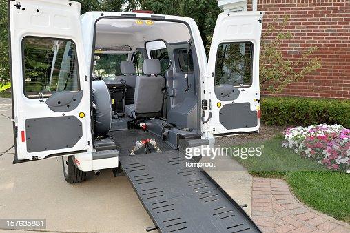 Medical transportation vehicle