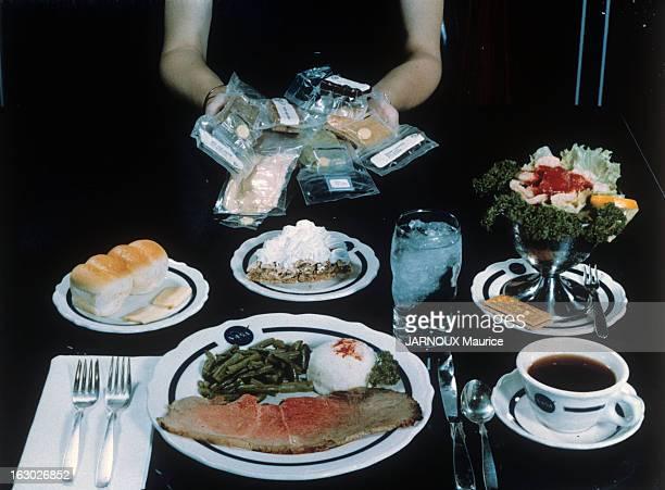 Medicine And Diet En France en novembre 1966 Alimentation et diététique un repas reconstitué en sachet sous vide