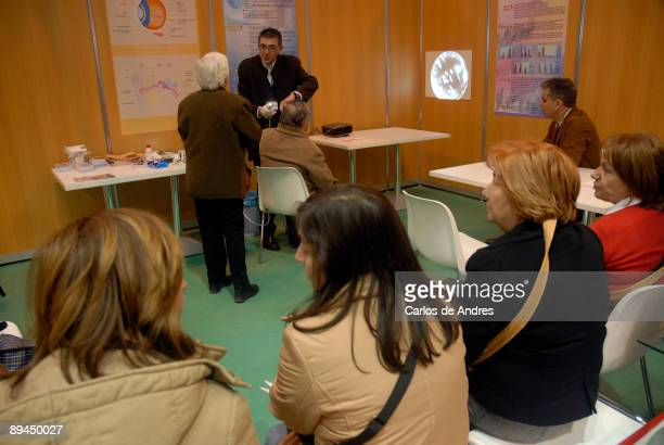 Medicine and health Expo Health IFEMA Madrid 2008 Analysis of ear to pensioners
